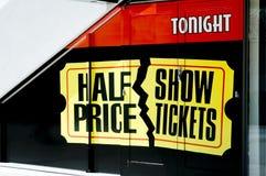 Biglietti di manifestazione di metà prezzo fotografie stock libere da diritti