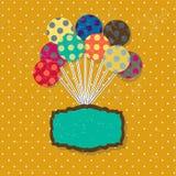 Biglietto di auguri per il compleanno con i palloni variopinti svegli e Immagini Stock Libere da Diritti
