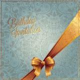 Biglietto di auguri per il compleanno con progettazione blu del fondo di colore Immagini Stock Libere da Diritti
