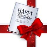 Biglietto di auguri per il compleanno di vettore con il nastro rosso ed il compleanno royalty illustrazione gratis