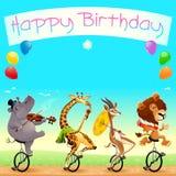 Biglietto di auguri per il compleanno felice con gli animali selvatici divertenti sui monocicli Fotografia Stock Libera da Diritti
