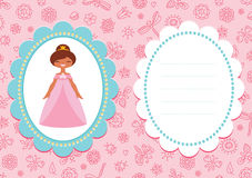 Biglietto di auguri per il compleanno rosa con principessa castana sveglia Fotografia Stock Libera da Diritti