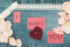 Biglietto di S. Valentino, cartolina d'auguri con tricottare le coppie nell'amore, tricottante Fotografie Stock