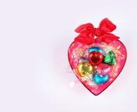 Biglietto di S. Valentino del cioccolato del cuore di amore nel colore dolce Fotografie Stock Libere da Diritti
