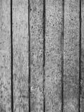 Biglietto di S. Valentino di legno variopinto del fondo del fiore del cuore della tavola colorata di verde blu del cielo blu del  Fotografia Stock Libera da Diritti