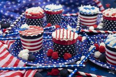 Bigné decorati per il quarto della celebrazione di luglio Fotografie Stock Libere da Diritti