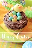 Bigné dell'uovo di Pasqua e del pulcino Fotografia Stock