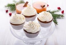Bigné di Natale con glassare creamcheese immagini stock libere da diritti