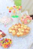 Bigné, dolce-schiocchi, maccheroni, bonbon e barra di caramella della caramella gommosa e molle immagini stock libere da diritti