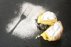 Bigne di San Giuseppe, souffles crèmes du ` s de St John images stock