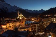 Bij dageraad Verbazend berglandschap van St Moritz, Zwitserland Royalty-vrije Stock Fotografie