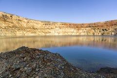 Bij de bodem van een krater royalty-vrije stock afbeeldingen