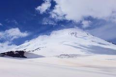 Bij de hoogte van een vogel` s vlucht highest berg in Europa royalty-vrije stock foto