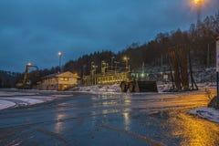 Bij de houtopslag aan Saugbrugs B&W Stock Foto