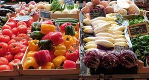 Bij de landbouwersmarkt in Nantes, Frankrijk royalty-vrije stock afbeelding