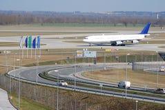 Bij de luchthaven stock foto's