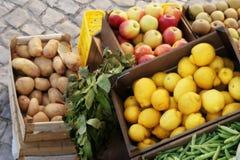 Bij de markt Stock Fotografie