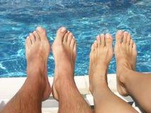 Bij de pool stock fotografie
