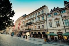 Bij dijkna PÅ™ÃkopÄ› in de oude stad van Praag, Tsjechische Republiek Stock Foto's