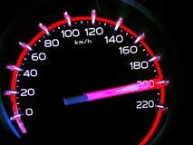 Bij een snelheid van kilometers 200†‹per uur van Hoge heftoestellenvrachtwagen op autodashboard Concept Drijven snel is gevaarl royalty-vrije stock foto's