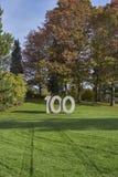 100 bij het park Stock Foto's
