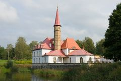 Bij het Priorijpaleis, September-middag Gatchina, Rusland stock fotografie