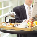 Bij ontbijt Stock Foto