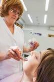 Bij tandarts Royalty-vrije Stock Afbeeldingen
