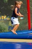 Bij trampoline Royalty-vrije Stock Foto's