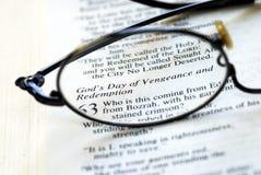 Bijbel: De Dag van Godâs van Wraak en Afkoop Stock Foto