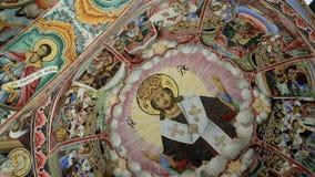 Bijbelse verhalen in beelden, plafondschilderijen, Fresko's, symbool van Bulgarije, Toeristische attractie, Unesco-Werelderfenis stock videobeelden