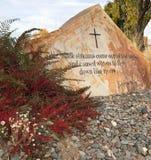 Bijbelvers op steen Royalty-vrije Stock Afbeeldingen
