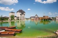 bijeljina在村庄附近的ethno湖 库存图片