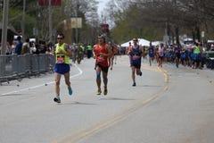 Bijna 30000 agenten namen aan de Marathon van Boston op 17 April, 2017 in Boston deel Stock Fotografie