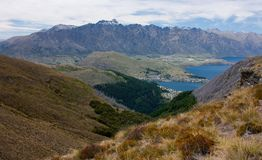 Bijna bij de piek van Ben Lomond Peak dichtbij Queenstown, Nieuw Zeeland stock foto's