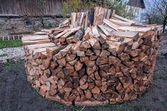 Bijna geëindigd om houten stapel stock afbeelding
