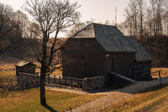 Bijotai, Λιθουανία: υδρόμυλος με τον τρόπο Dionisas Poska Στοκ Φωτογραφίες