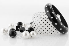 bijou blanc noir Image libre de droits