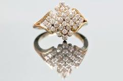Bijou de boucle de mariage de diamant Image stock
