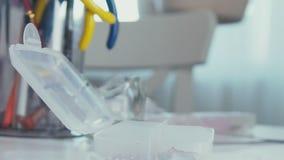 bijouterie的配件 存放的辅助部件塑料盒 影视素材