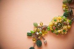 Bijouterie kolia zieleni koraliki Zdjęcia Royalty Free