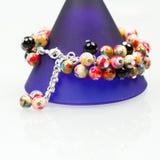 Bijoux argentés avec les pierres précieuses colorées Image stock