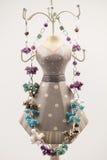 Bijoux argentés avec les pierres précieuses colorées Photos libres de droits