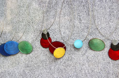 Bijoux colorés multi de mode, pendants Images stock