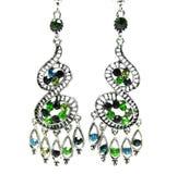 Bijoux de boucles d'oreille avec les cristaux lumineux Image libre de droits