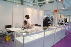 Bijoux et jade traitant des ventes d'exposition de machines Image libre de droits