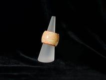 Bijoux ethniques bruns de bijoux d'anneau Photos libres de droits
