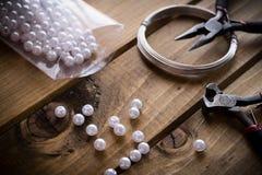 Bijoux faits main, approvisionnements de bijoux Photo libre de droits