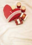 Bijoux faits main le jour du ` s de Valentine image stock