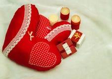 Bijoux faits main le jour du ` s de Valentine photos libres de droits